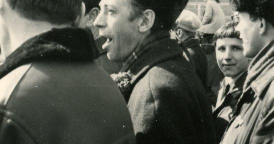 Экономический факультет ЛГУ 1974 (Сеанс одновременной игры на 20 досках А.Карпова 1970)