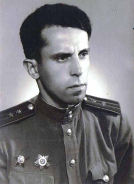 Шмаин Мендель Айзикович 1915-1999, подполковник мед.службы. Отец.