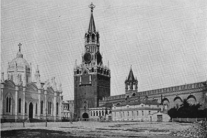 Переезд столицы России из Петрограда в Москву: мифы и факты