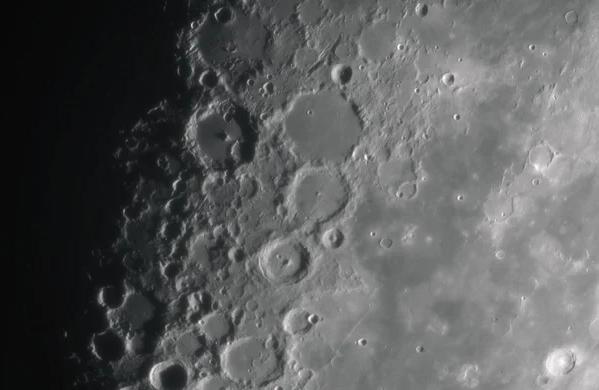 НАСА опубликовало уникальные кадры Луны, таких вы точно еще не видели (Видео)